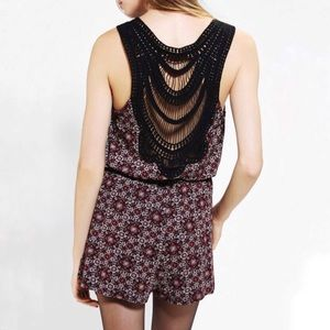 Staring at Stars Paisly Lace Back Romper sz M